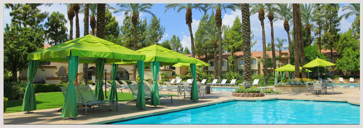 Peaceful relaxing cabanas in the heart of Palm Desert